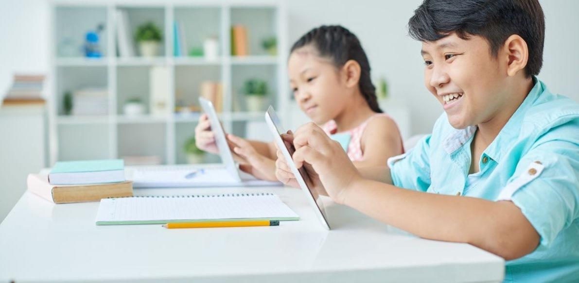6 Tips untuk Membantu Anak Belajar di Rumah saat Pandemi